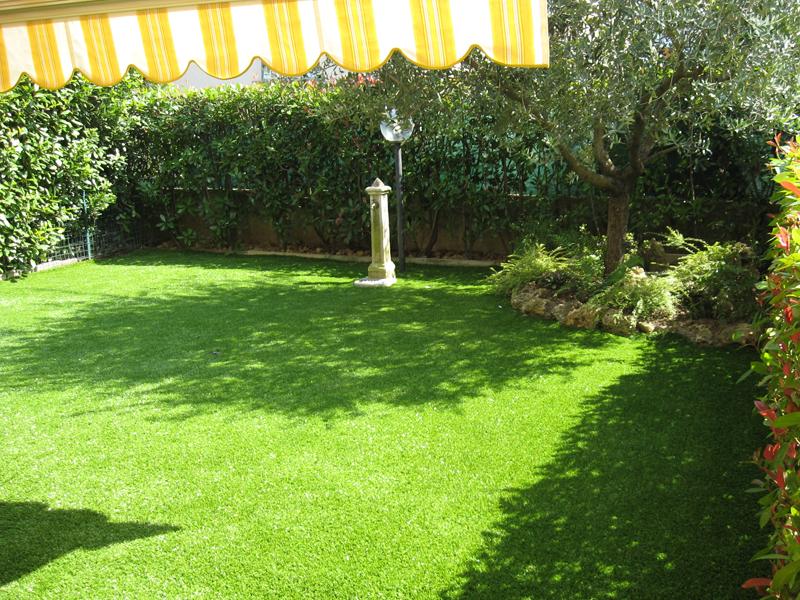 Verde sintetico floricoltura minetti - Giardini con erba sintetica ...